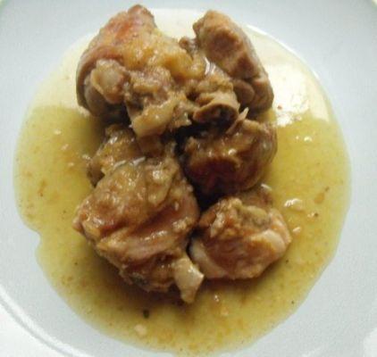 Pierna de lechazo en salsa de almendras
