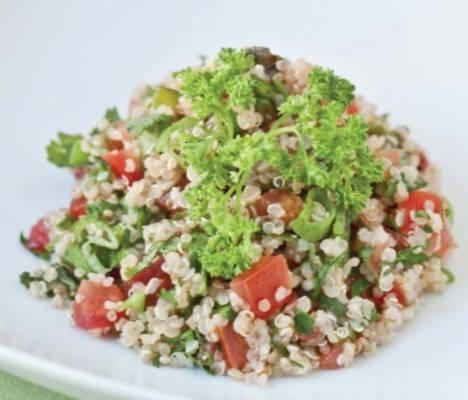Tabulé de quinoa y jugo de limón